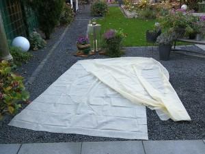 Vlieshaube für den Pflanzenschutz im Winter - 150 x 500 cm - Meterware - zuschneidbar